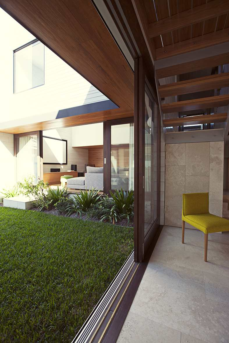 gary hamer interior design courtyard.jpg