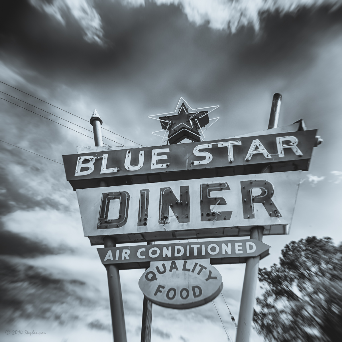 Blue Star Diner Sign closed.jpg