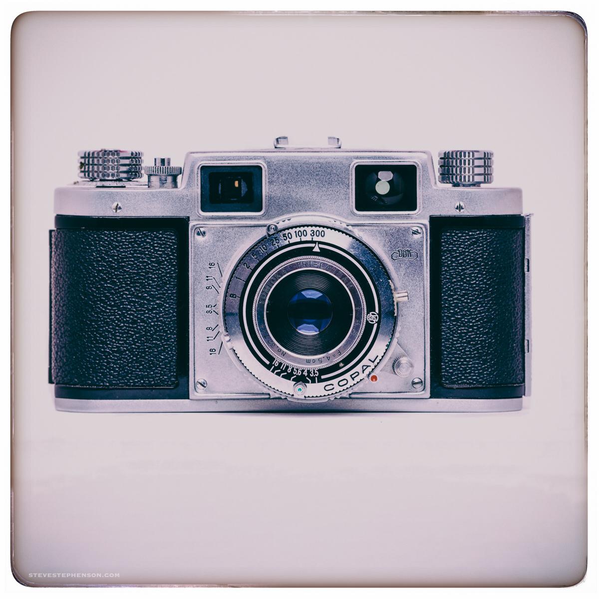 Novo Vintage Camera