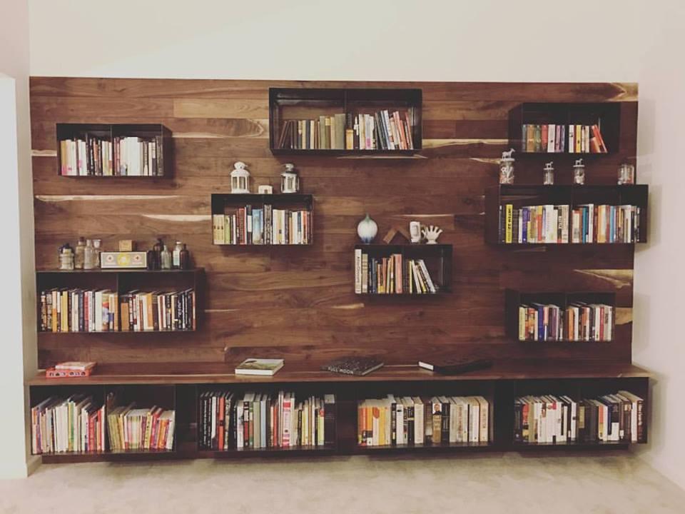 Feature Wall/Bookshelves