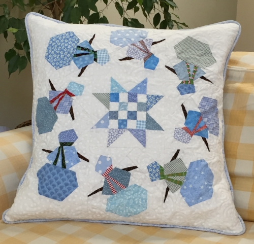 "20"" Snowmen block quilted pillow"