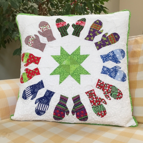"20"" Mittens block quilted pillow"