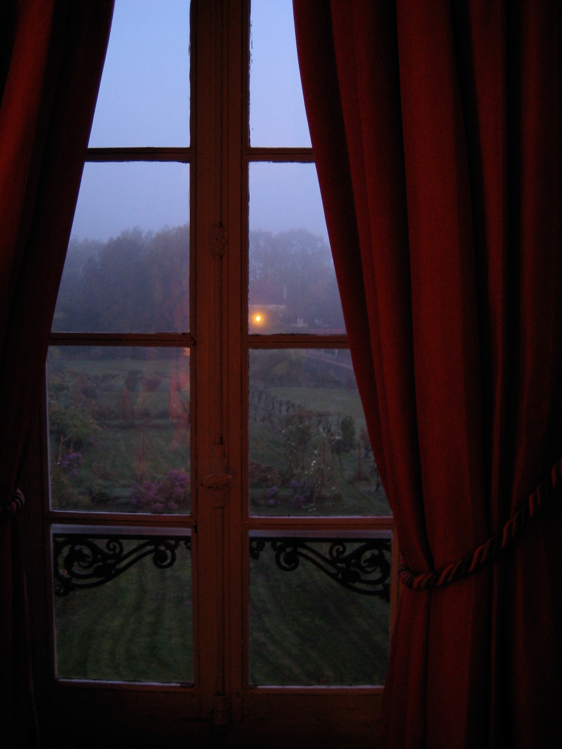 Dawn light Vezelay France. Olympus point and shoot. '08
