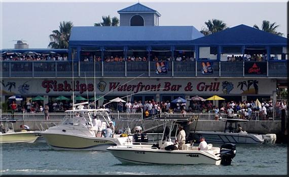 Fishlips Bar & Grill - Cocoa Beach, FL