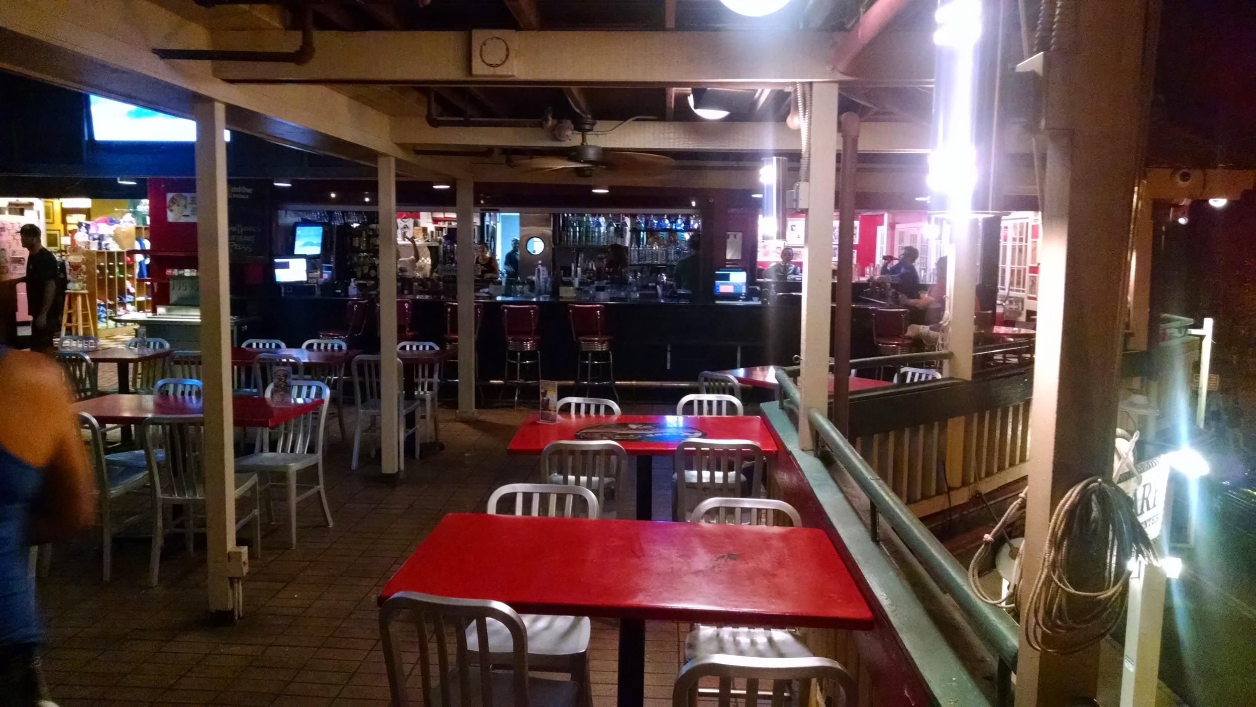 Cool Cat Bar & Grill - Downtown Maui, Hawaii