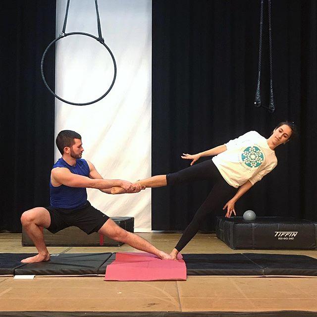 Playing with some fun counter-balance poses! #acroyoga #partneracro #partneracrobatics #brownaerialarts