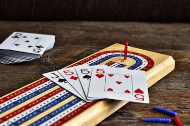 close-image-wooden-cribbage-board-260nw-1076076839.jpg