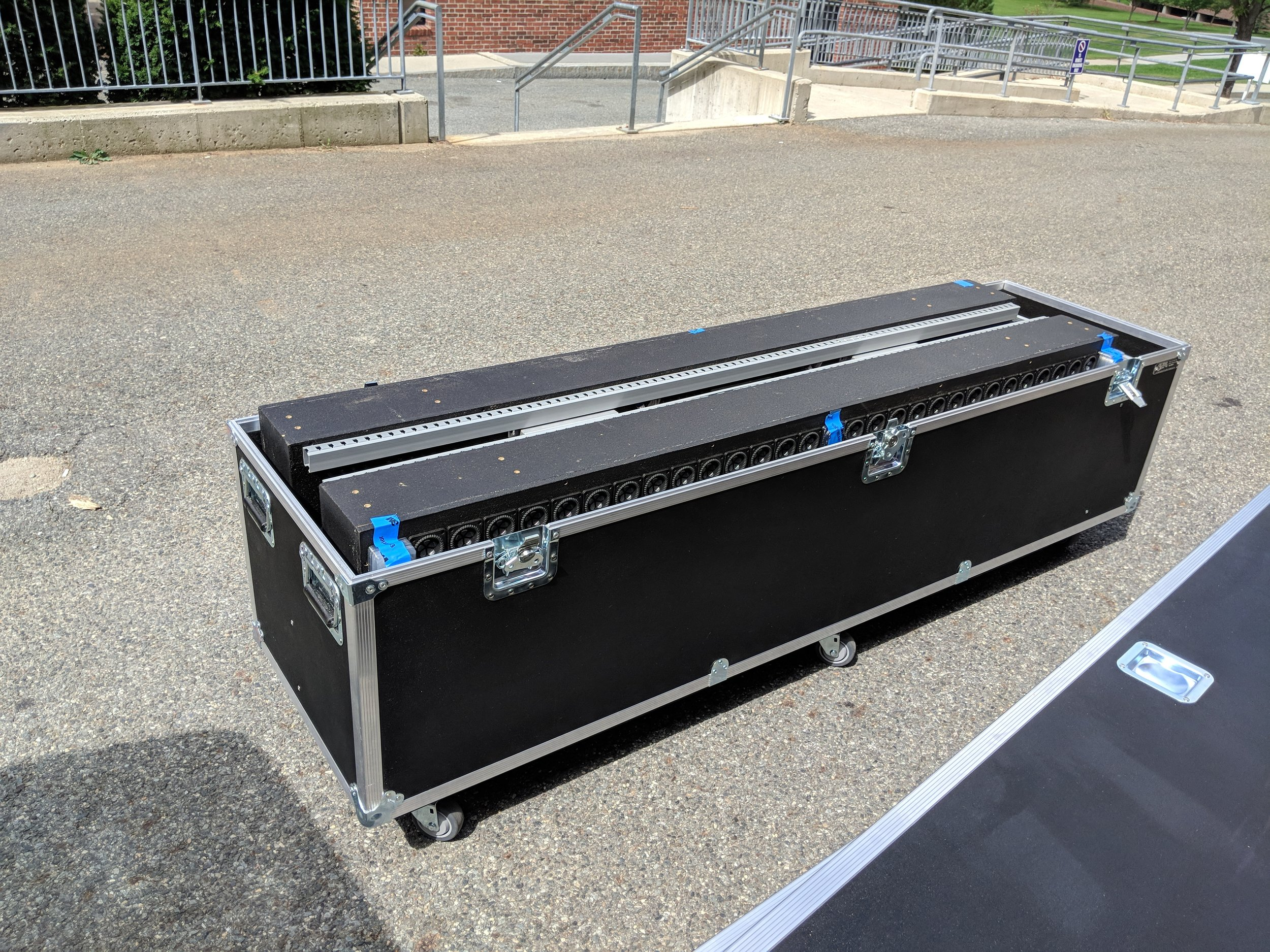 The arrays tour in road cases