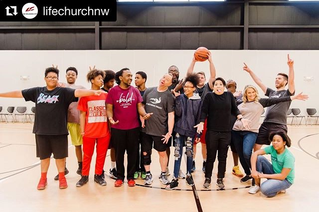 Every week here in OKC we get together with middle school students to build meaningful relationships through the teaching of various life and leadership skills. Wondering if you have what it takes to become a mentor? Mentors do these three things well:  1. SHOW UP - consistently 2. LIVE OUT - model integrity and high character 3. SPEAK IN - take advantage of teachable moments and opportunities to encourage; always communicate with grace and truth  For more information about how you can get involved, come see us in the @lifechurchnw lobby this weekend! #lclocalmissions #connectlocally  #Repost @lifechurchnw with @get_repost ・・・ Have you heard of the The Mentoring Project? They're one of our Local Mission Partners. They exist to rewrite the fatherless story through mentoring. Together with their supporters, they strive to recruit, train, match, and encourage more mentors for fatherless and at-risk kids. Come meet them in the lobby this weekend, they'll be here for all our services this weekend!