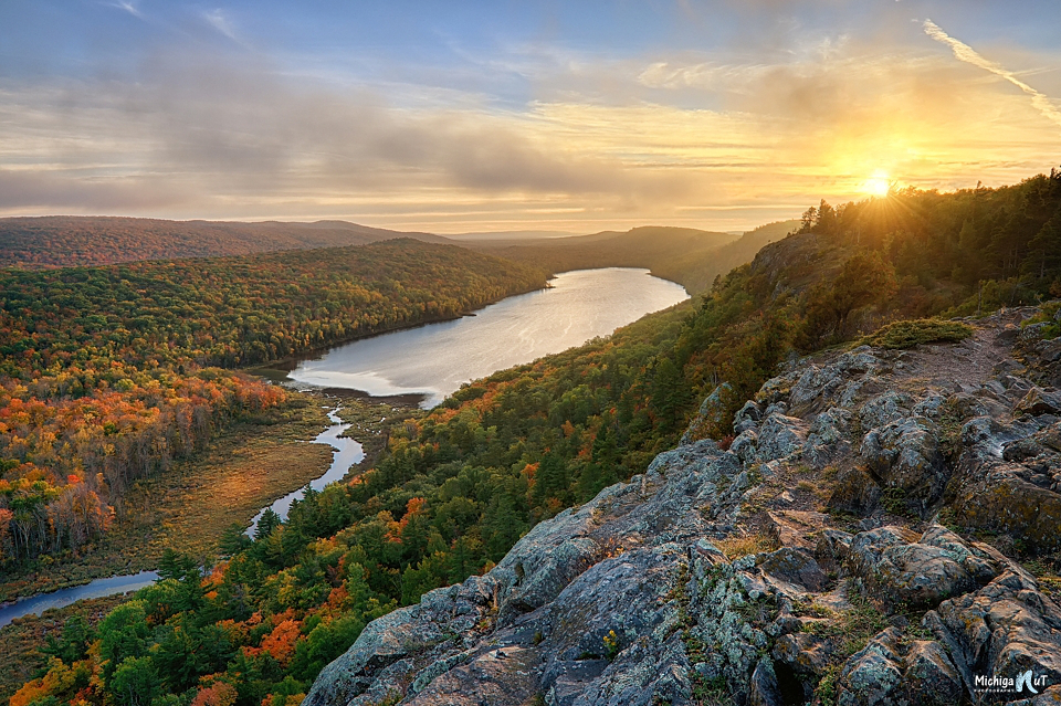 lake of the clouds east side sunset added lfs done.jpg
