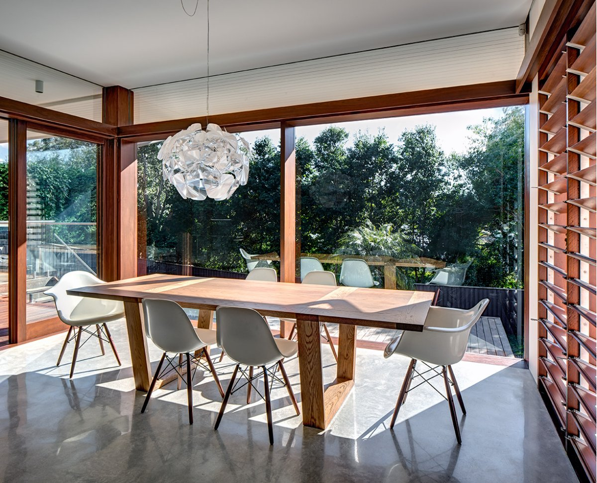 dining-table-lighting-contemporary-home-in-sydney-australia.jpg
