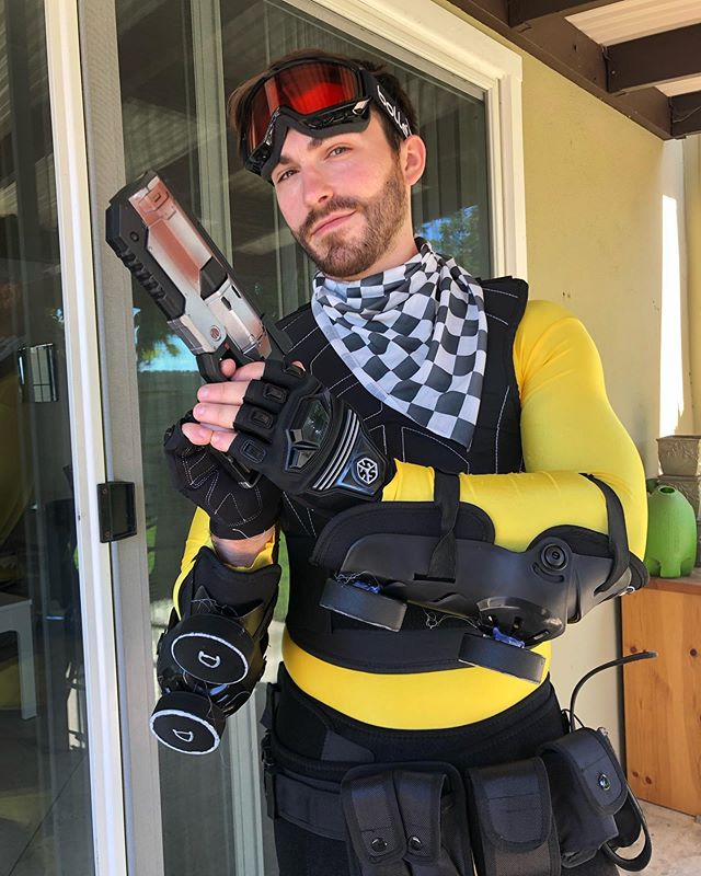 """I don't take myself too seriously. I don't take myself anywhere...I need to get out more."" - Mirage #apexlegends #apexlegendscosplay #cosplay #sdcc"