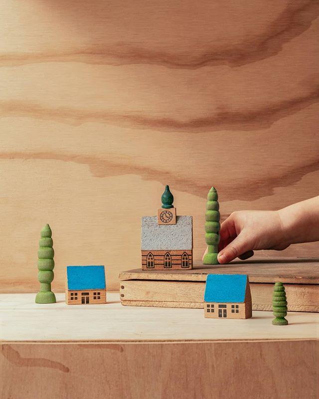 Merry Christmas!✨ • • • • • #christmas #toys #wood #xmas #retro #christmastree #santa #vintagestyle #christmasdecorations #merrychristmas #toycollector #santaclaus #classic #antique #wooden #rustic #woodart #decor #decoration #winter