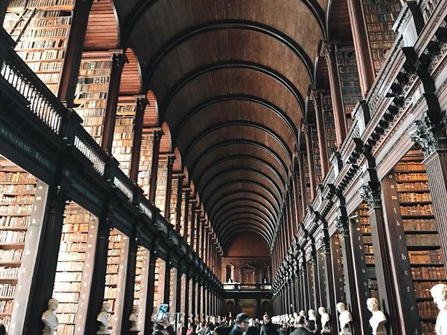 Always love visiting this absolutely beautiful library. If only I were allowed to actually stay and read!  #travel #travel2019 #travelgram #instatravel #travelblogger #culture #photography #photooftheday #travellingthroughtheworld #thecolorspectrumproject #dublin #ireland #trinity college #thelongroom
