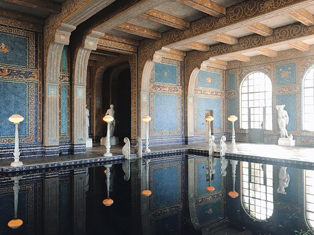 Is it possible to get this replicated in my backyard?  #travel #travel2019 #travelgram #instatravel #travelblogger #culture #photography #photooftheday #travellingthroughtheworld #thecolorspectrumproject #hearstcastle #california #californiacoast