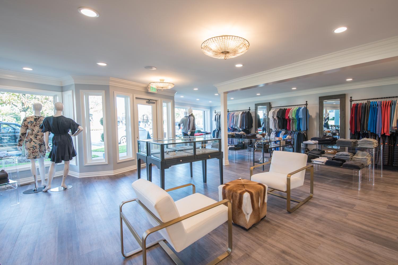 Tenue_Boutique_modern_chic_retail_interior_design.jpg