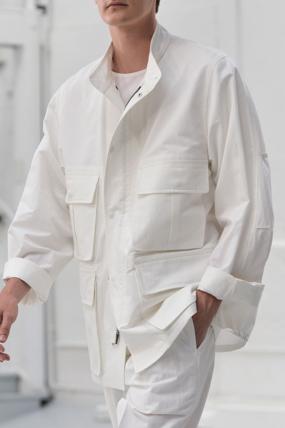 Christophe-Lemaire-mens-fashion-runway-show-close-ups-the-impression-spring-2015-001.jpg