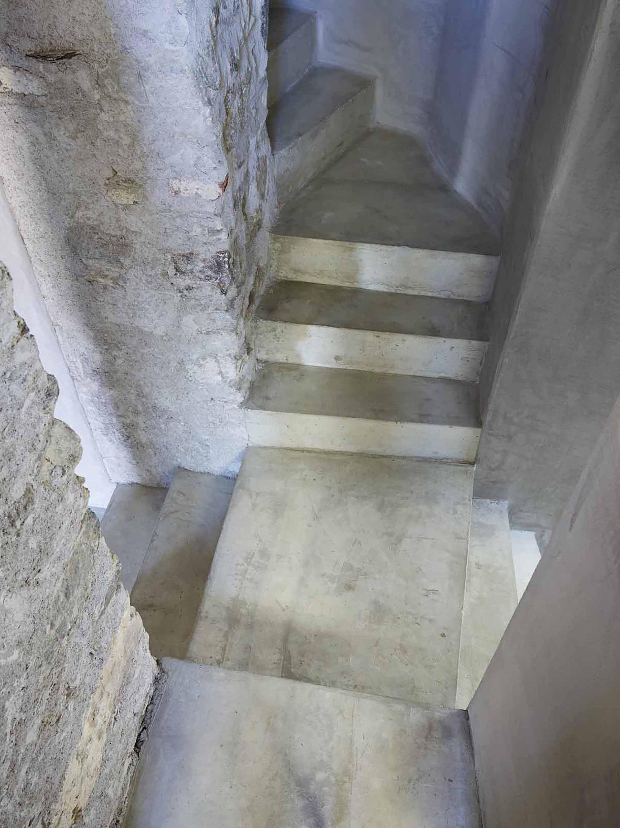 543dd65cc07a80762d000253_stone-house-transformation-in-scaiano-wespi-de-meuron-romeo-architects_1430_cf031272.jpg