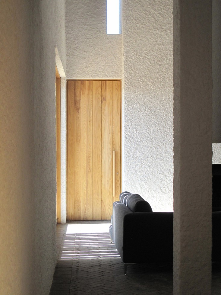 Swartberg-House-by-Openstudio-Architects-Great-Karoo-South-Africa-Remodelista-04.jpg