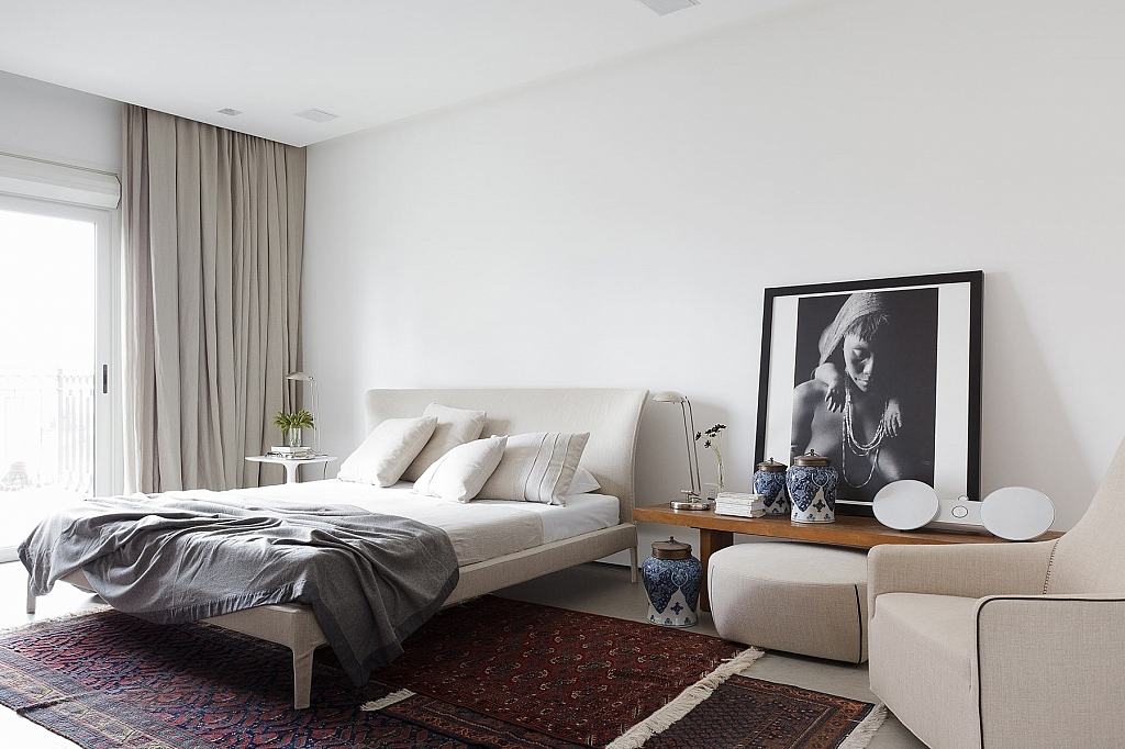 a-family-apartment-for-an-art-collector-in-brazil-10-1024x682.jpg