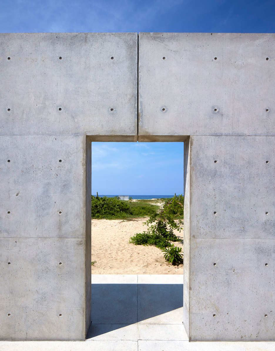 Casa-Wabi_Bosco-Studio-House_Tadao-Ando_Puerto-Escondido_Oaxaca_Mexico_dezeen_936_6.jpg