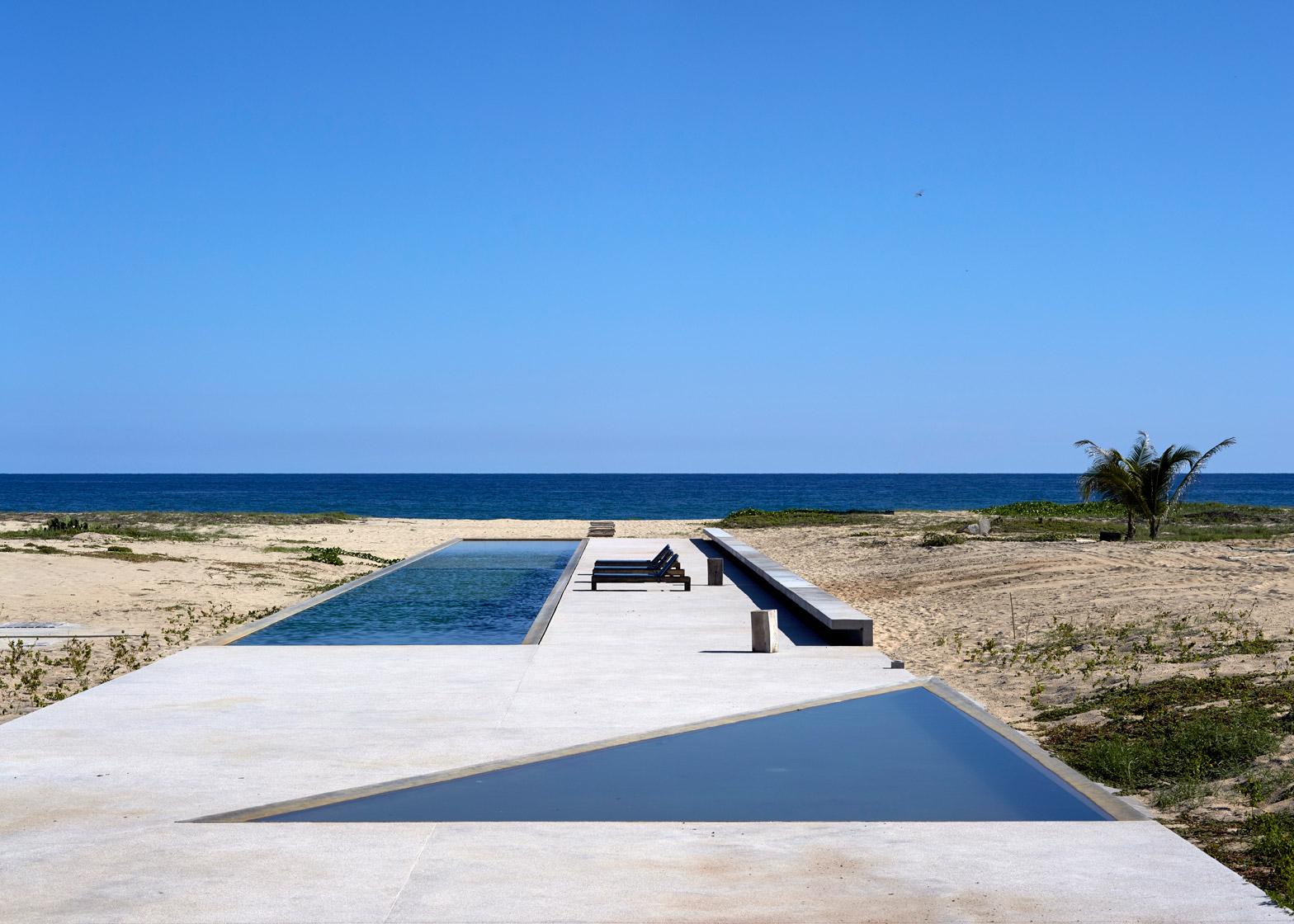 Casa-Wabi_Bosco-Studio-House_Tadao-Ando_Puerto-Escondido_Oaxaca_Mexico_dezeen_1568_4.jpg