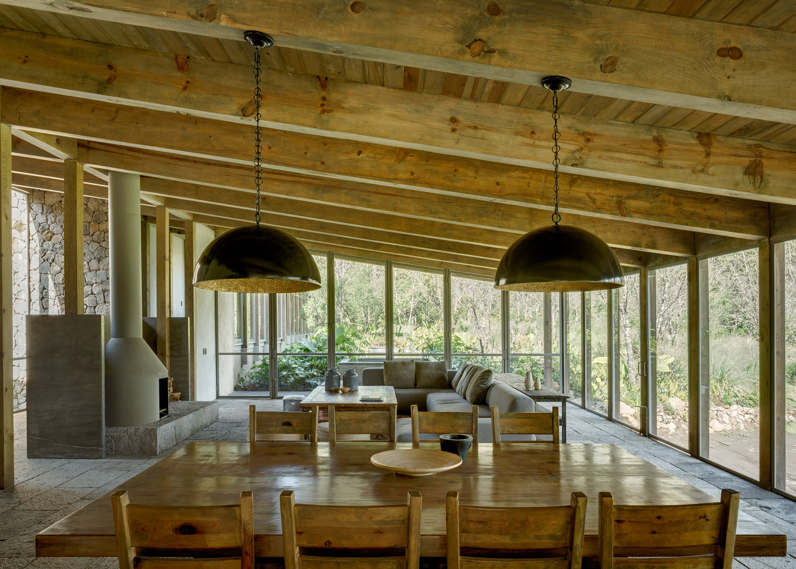 santana-house-cc-arquitectos-valle-de-bravo-mexico-city_dezeen_1568_2.jpg