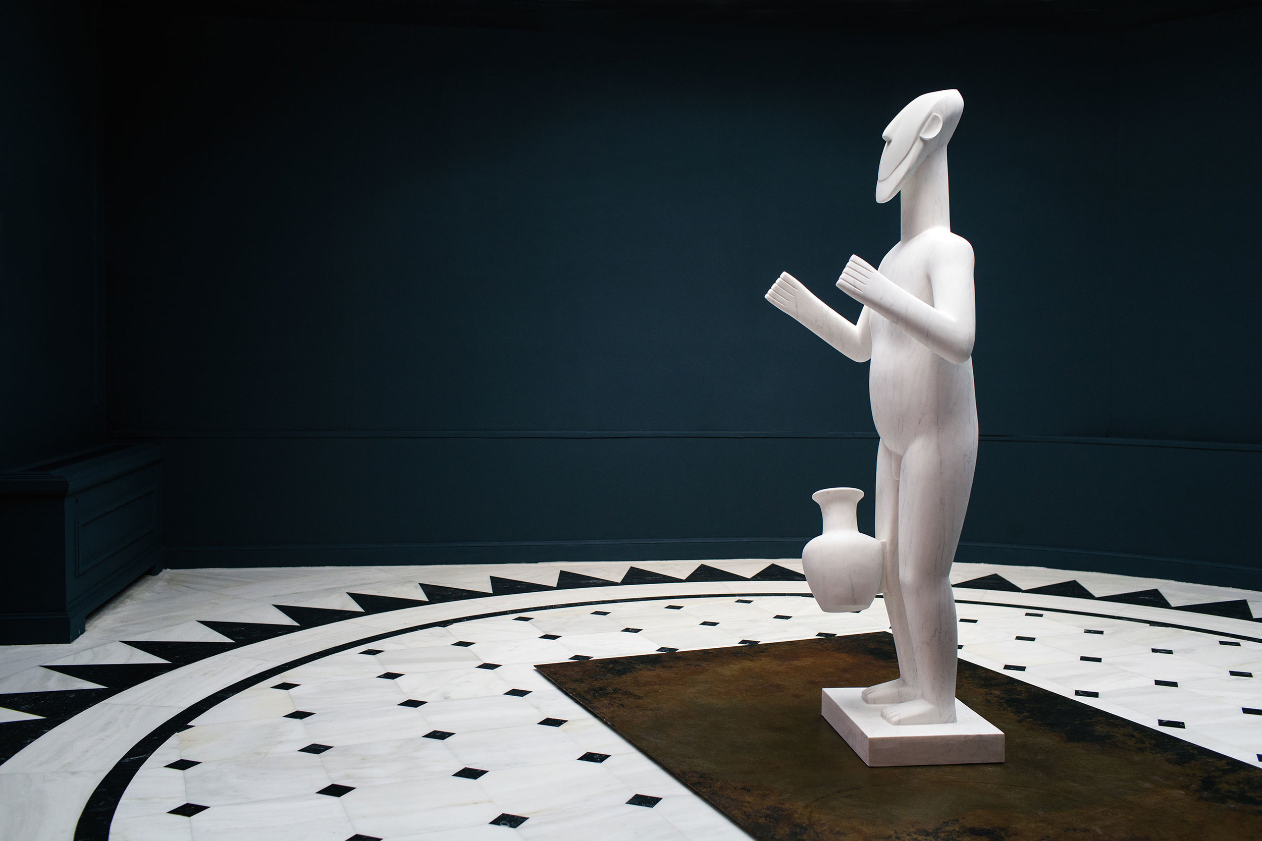 p4_ai_weiwei_at_museum_of_cycladic_art_standing_figure_2016_yatzer.jpg