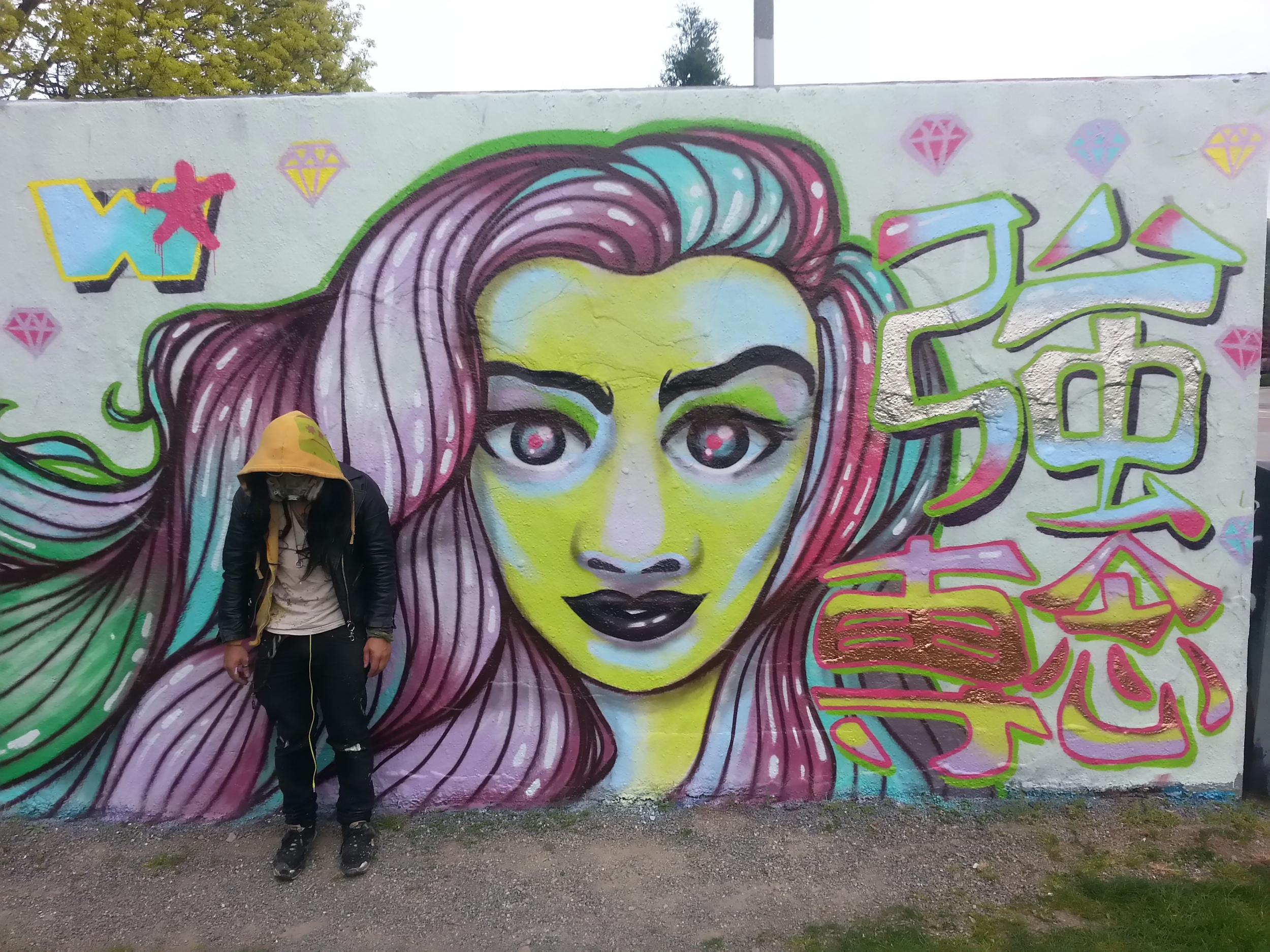 diamond_GIRL_mural_001.jpg
