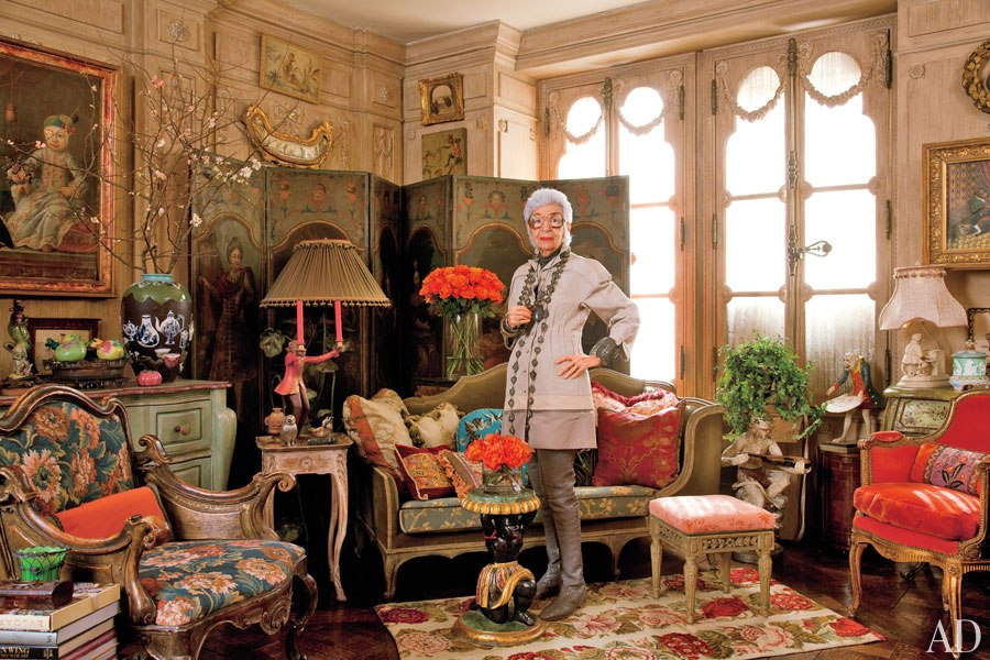 item0.rendition.slideshowWideHorizontal.iris-apfel-apartment-01-portrait.jpg