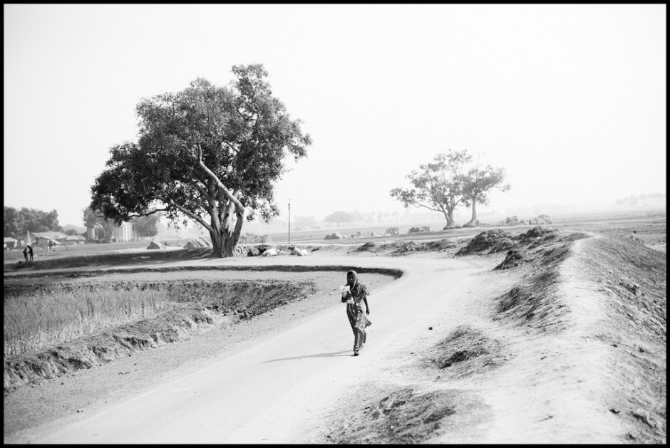 A girl on her way to school in rural Gaya district, an area of Bihar Province where Maoist insurgents are active, India.jpg