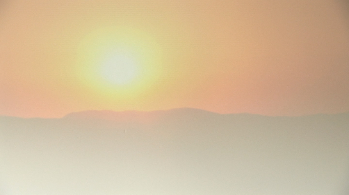 Still from:   Annika Kahrs, Sunset - Sunrise, 2011    HDV-Video, colour, 2 min