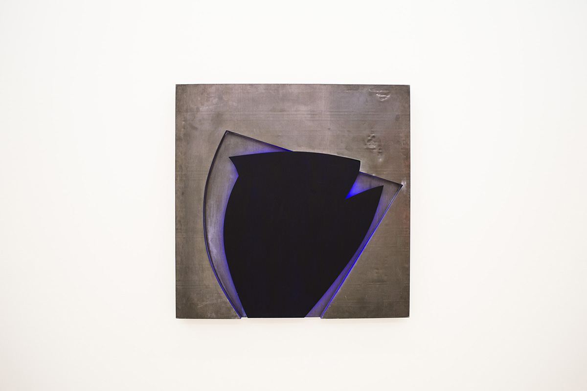 Bleu  1995 100 x 100 x 4 cm Neon light, lead, and wood