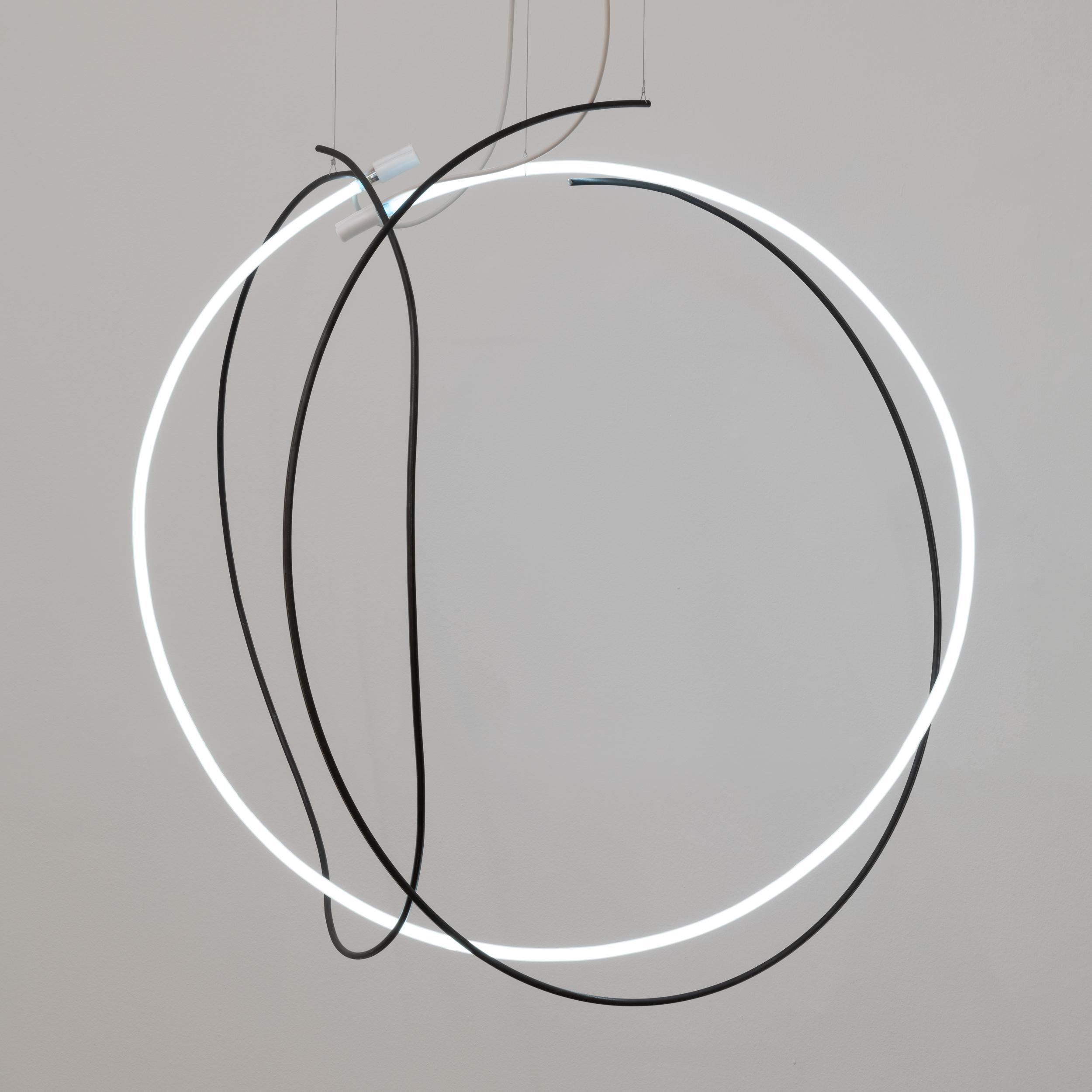 CIRCULUS, 2018 95 x 95 x 110 cm Steel, neon