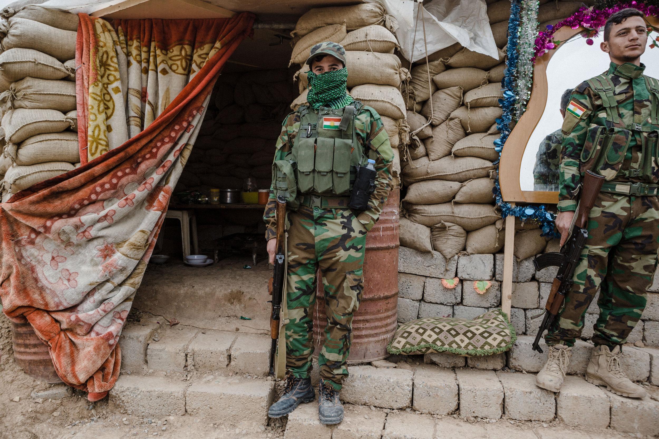 Iraq: Kurdish liberators become occupiers as Yazidi militias vie for power in ruins of Sinjar - IB Times UK