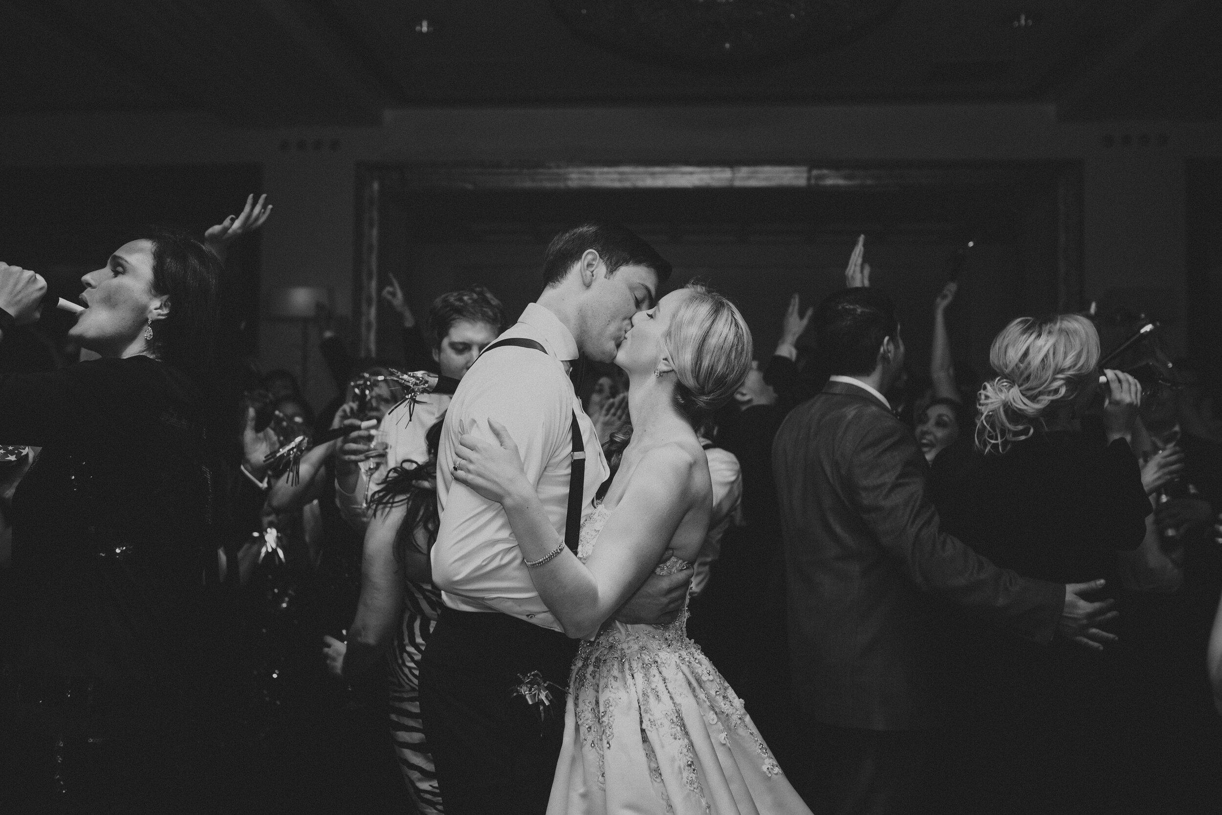 DANCING-223.jpg