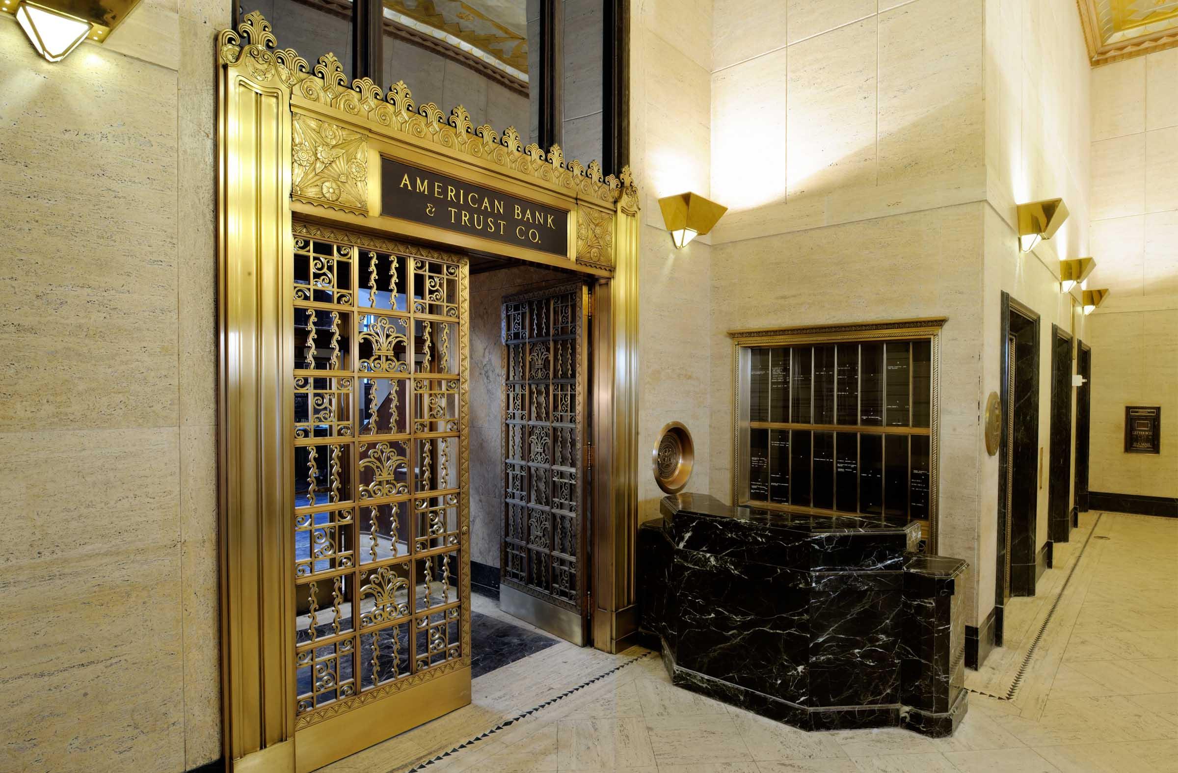 200 Carondelet lobby
