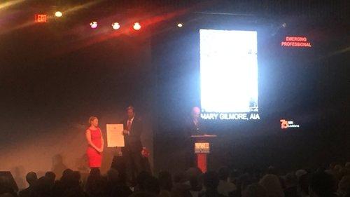 Mary-Award+03.jpg