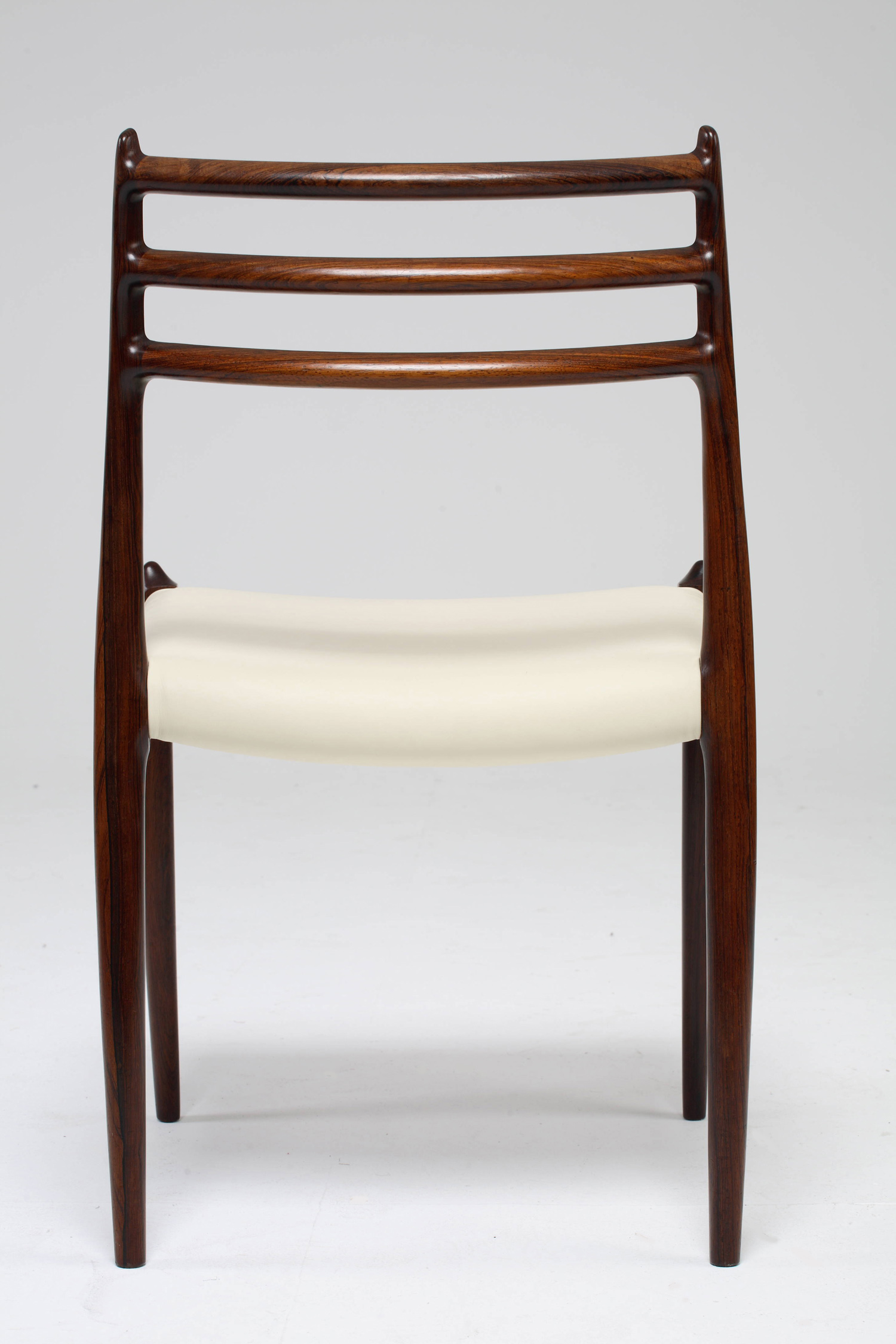 Chair_3_004_resize.jpg