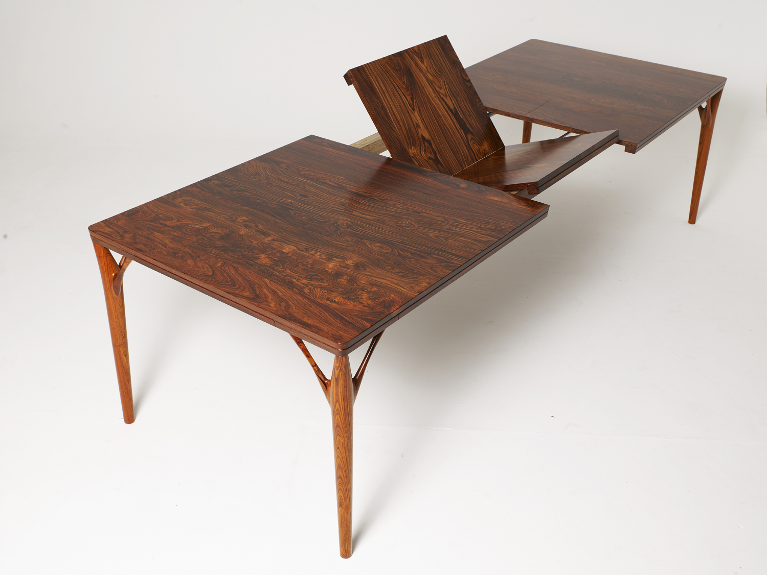 PD 55 Dining Table in Solid Rosewood