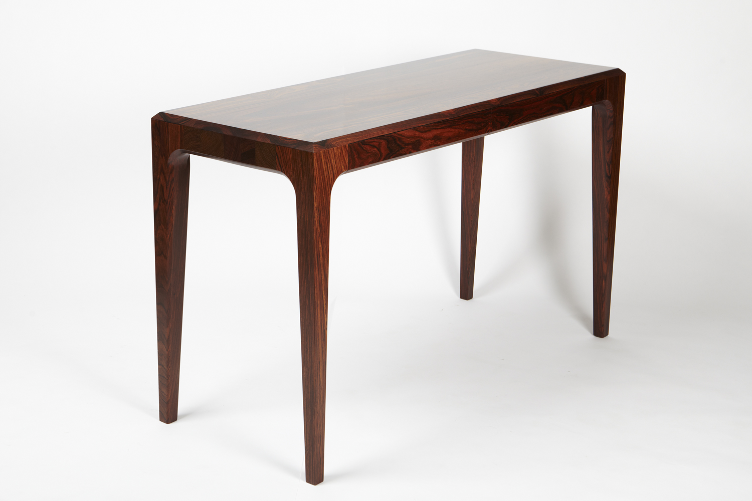 PD 60 Writing Table