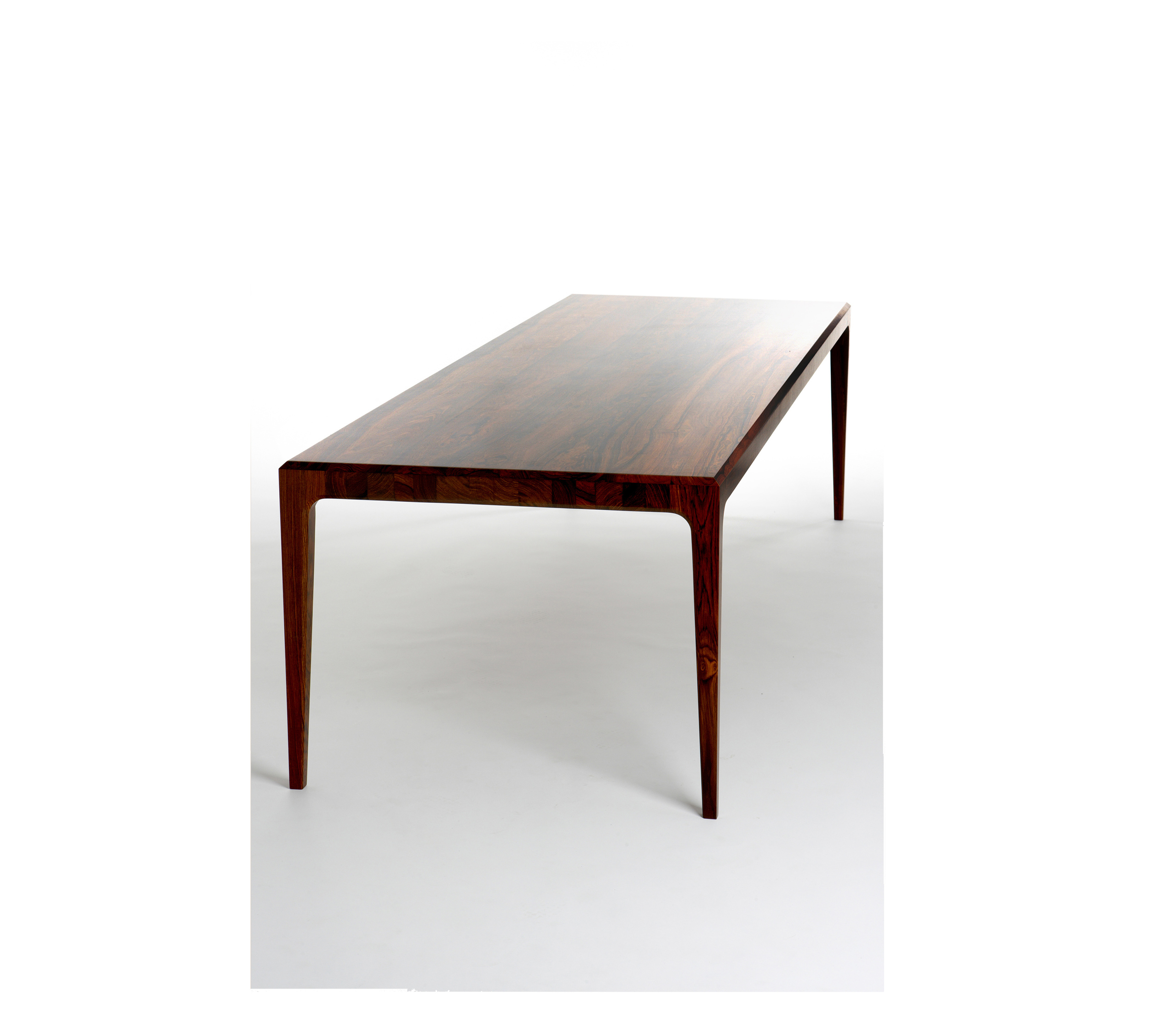 PD 60 Dining Table in Solid Rosewood