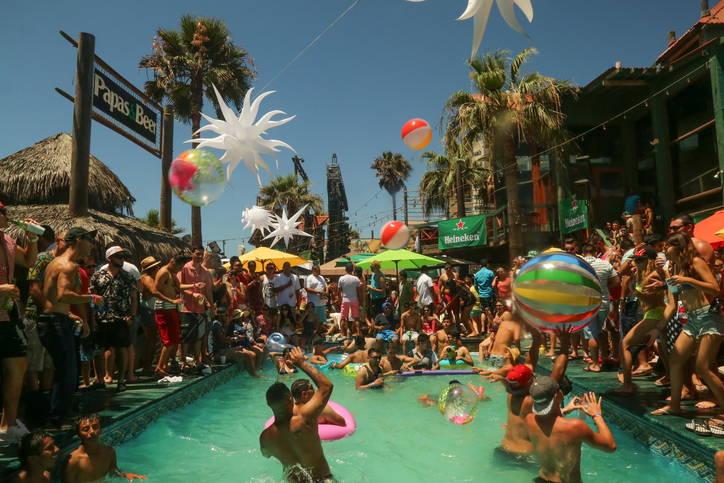 P&B- pool party 4.jpg