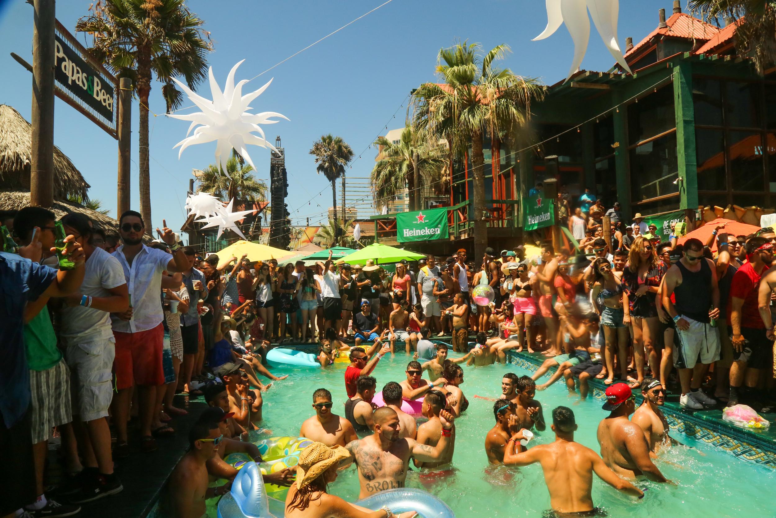 P&B- pool party 41.jpg