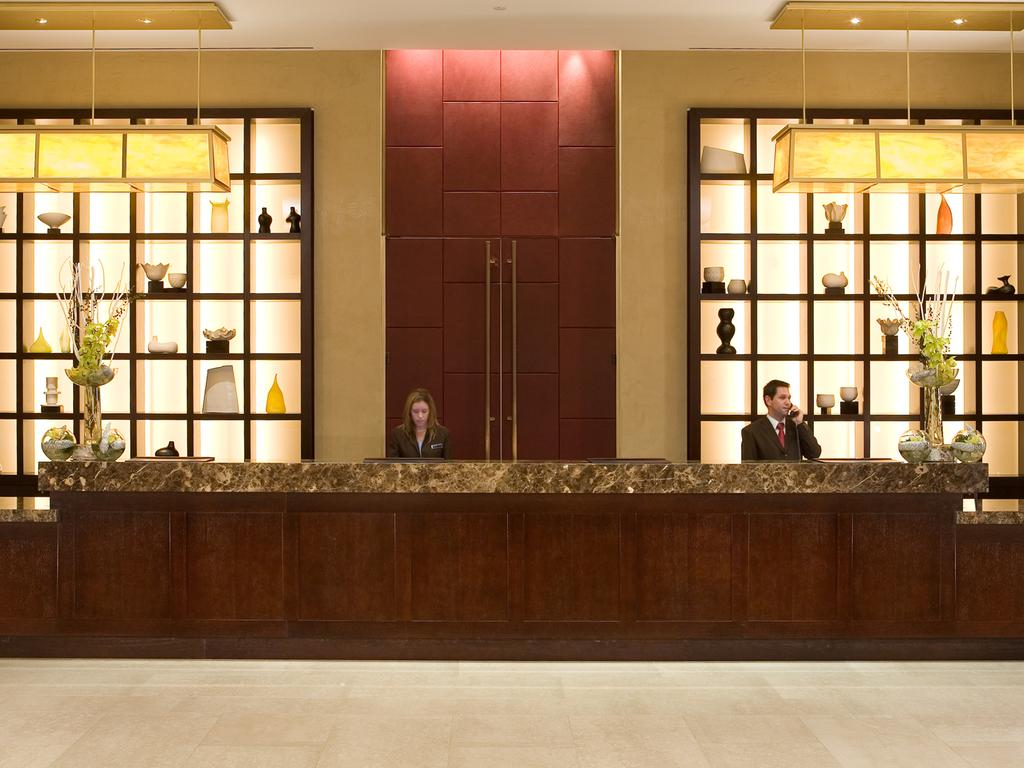 lobby picture 7.jpg
