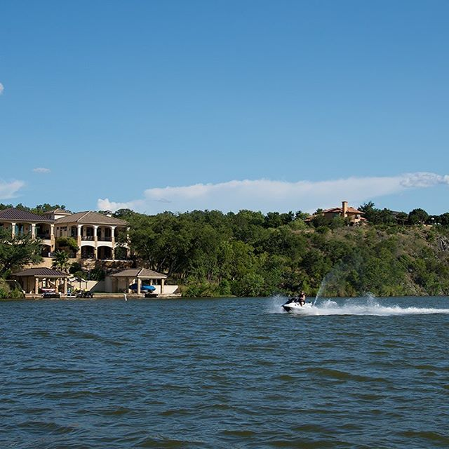 Cool off by Lake LBJ at the Trails - Your watersports paradise! Our marina opens onto Lake LBJ, making it a breeze to do any water sport — fishing, wakeboarding, paddle boarding, kayaking, water skiing and more!  #trailsofhorseshoebay #lakelbj #boating #waverunners #watersports #privatemarina #privatecommunity