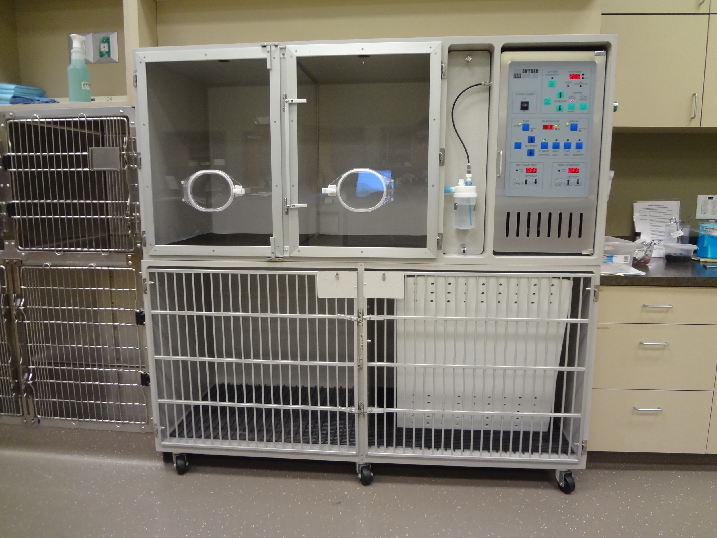 Synder Oxygen Cages