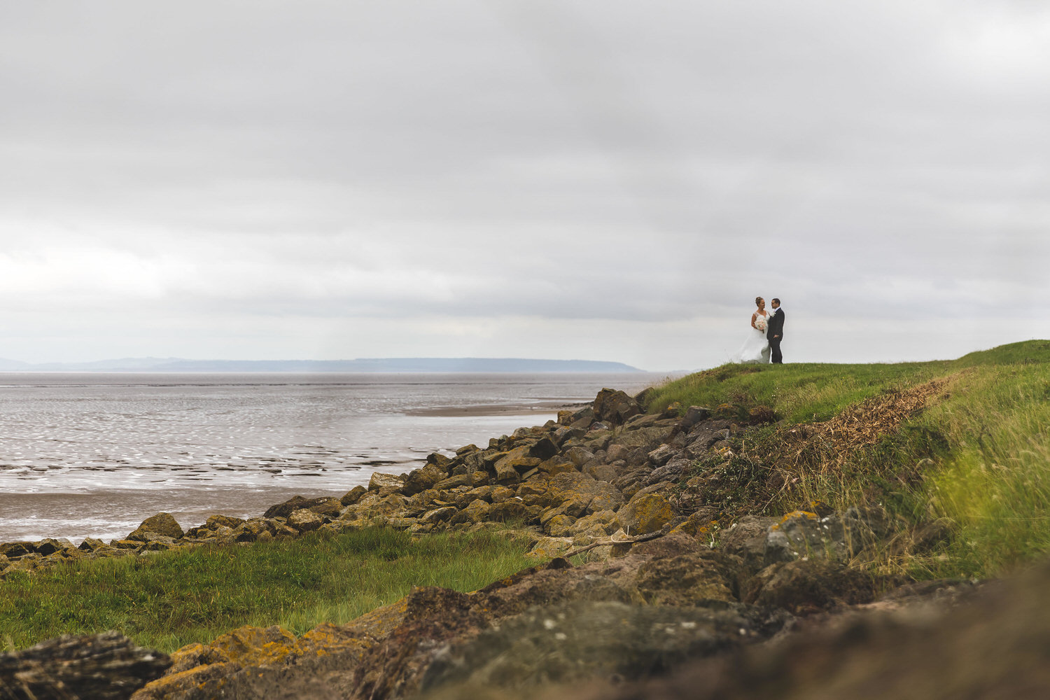 wedding photos on the coast in south wales