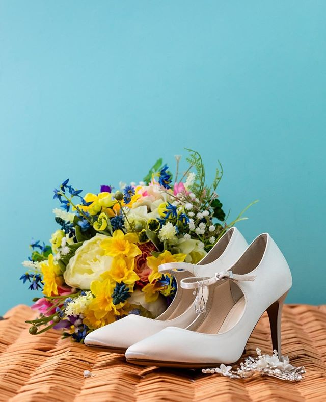 You know me, I'm all about the colours...   . . . . #weddingphotography #weddingphotographer #weddingphotos #weddingphoto #like #nikon #weddinginspo #weddingdetails #photoshoot #weddingseason #weddingmakeup #weddingstyle #weddingparty #fashion #weddingplanning #instagood #picoftheday #brides #makeup #happy #bridetobe #weddingdecor #bouquet #beauty #photos #weddingshoes #shoes #theknot #flowers