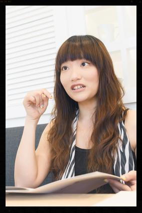 restaurant_female_diner(fotolia).jpg